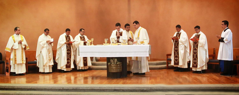 Primera Eucaristía de los nuevos sacerdotes.